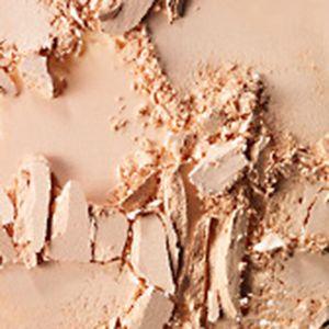 MAC Cosmetics: Light Plus MAC Studio Careblend/Pressed Powder