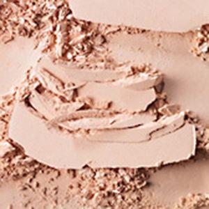 Pressed Powder: Medium MAC Studio Careblend/Pressed Powder