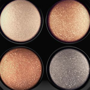 Mac Gifts & Value Sets: A Glimmer  Of Gold MAC Mineralize Eye Shadow x4