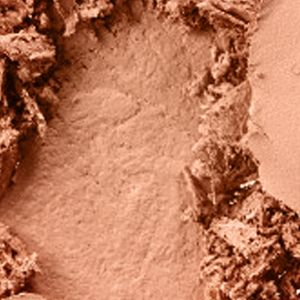 Pressed Powder: Medium Deep MAC Studio Sculpt Defining Powder