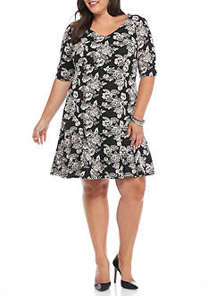Gabby Skye Plus Size Floral Printed Dress