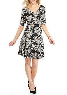 Gabby Skye Floral Printed Empire-waist Dress