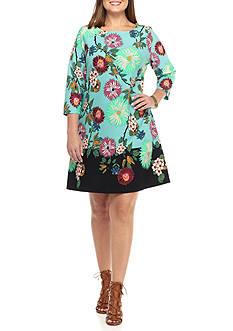 Gabby Skye Plus Size Floral Printed Trapeze Dress