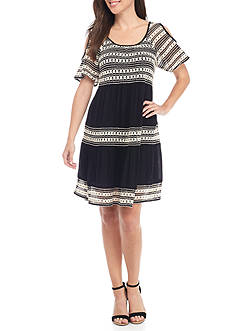Spense Cold-Shoulder Crochet Dress