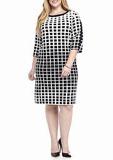 Sandra Darren Plus Size Cold Shoulder Printed Shift Dress