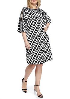 Sandra Darren Plus Size Printed Cold Shoulder Trapeze Dress