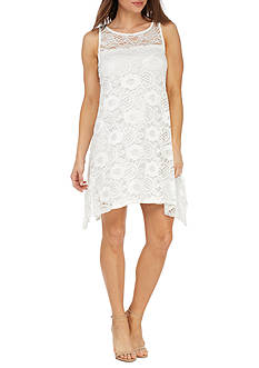 Robbie Bee Lace Dress With Keyhole Back