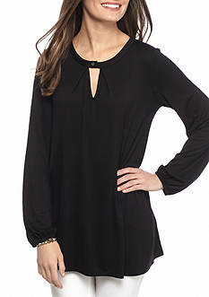 New Directions Solid Cutout Swing Top