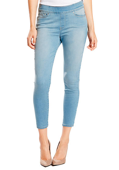 Levi's® Perfectly Slimming Pull On Cropped Jeans