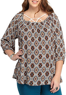H.I.P Plus Size Lattice Front Solid Woven Top