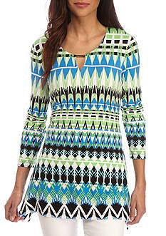 Ruby Rd Petite Geo Graphic Sharkbite Split Hem Knit Top