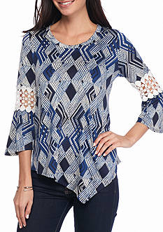 New Directions Geo Pointed Hem Crochet Top
