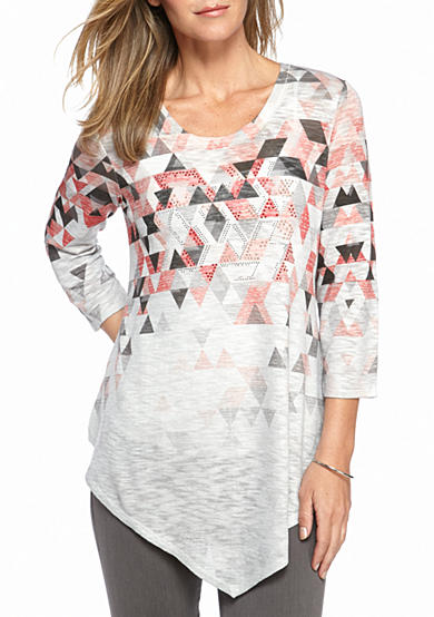 New Directions® Studded Triangle Print Pointed Hem Top