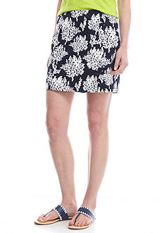 Crown & Ivy™ Twill Print Skort with Side Scallop Detail