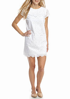 Crown & Ivy™ Petite Size Scalloped Hem Lace Dress