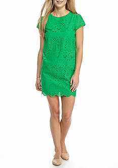 Crown & Ivy™ Petite Size Scalloped Hem Lace Dress