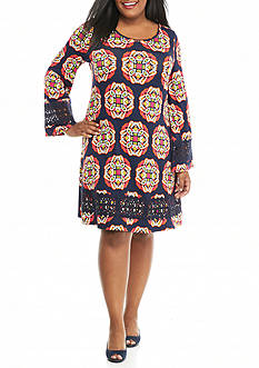 crown & ivy™ Plus Size Crochet Trimmed Swing Dress