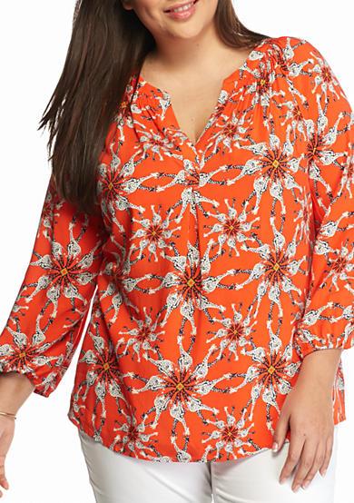 Crown & Ivy™ Plus Size Giraffe Peasant Top