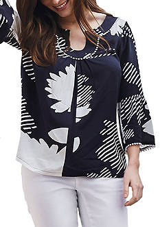 Crown & Ivy™ Print Bell Sleeve Peasant Top