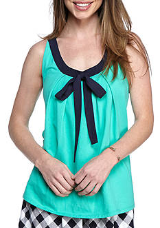 crown & ivy™ Sleeveless Contrast Trim Top
