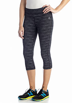 be inspired® Petite Slim Fit Performance Capri