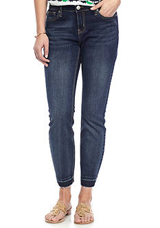 Crown & Ivy™ Frayed Hem Ankle Jeans