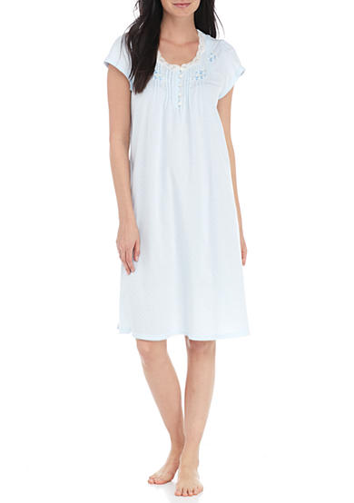 Sleep Tight in Women's Nightgowns and Sleepshirts. Bedtime is your time to relax and recharge, and one of the best ways to achieve a restful slumber is by slipping into comfy women.