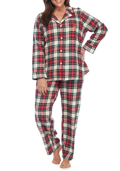 PLUS SIZE SLEEP STYLES FOR EVERY BODY. Even when you're lounging, dressing for your body type will help you look your best. Get a good night's rest in the luxurious comfort of playful pajama sets, mix-and-match separates or soft knit sleep gowns.