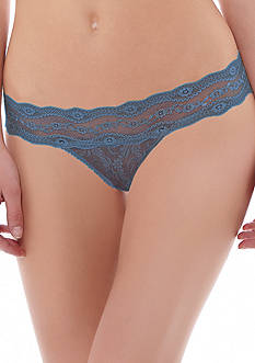 b. tempt'd by Wacoal Lace Kiss Thong