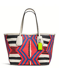 COACH PRINTED CANVAS 36 TAXI TOTE
