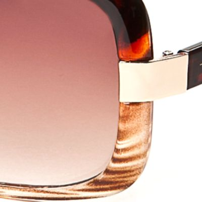 Tahari: Ombre Tortoise TAHARI™ Ombre Rectangle Sunglasses