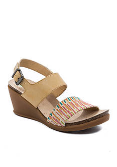 BareTraps Nadean Wedge