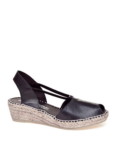 André Assous Dainty Wedge