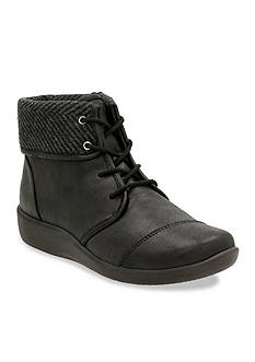 Clarks CloudSteppers Sillian Frey Boots - Available in Extended Sizes
