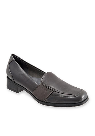Trotters Arianna Slip On Loafer