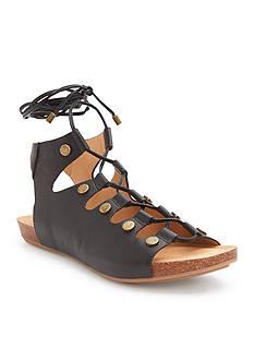 ADAM TUCKER me Too Nori Sandals Cappuccino