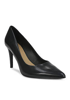 Tahari Brice Pump