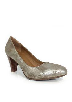Groove Footwear