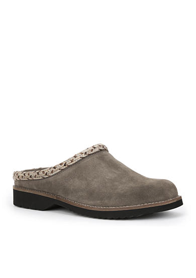 Simple hallie clogs belk for Minimalist house slippers