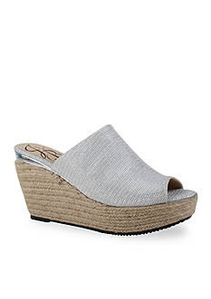 J Reneé Prys Wedge Shoe