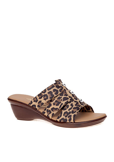 Onex Miley Wedge