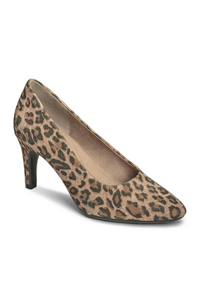 AEROSOLES® Exquisite Pump