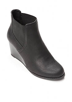 Rampage Mousy Wedge Booties