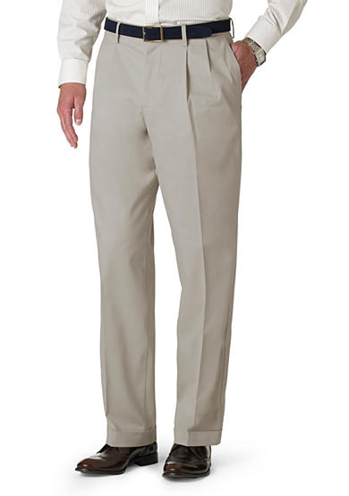 Dockers® Classic-Fit D3 Pleated Non-Iron Pants