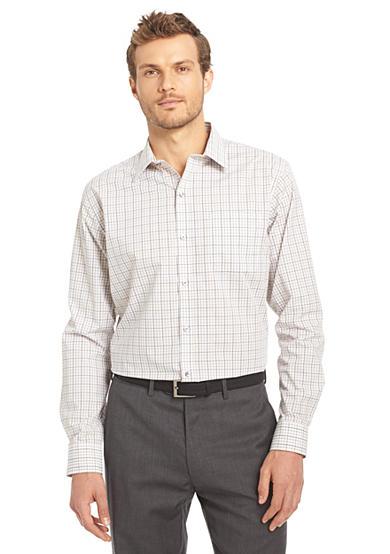 Van heusen non iron traveler stretch shirt for Van heusen iron free shirts