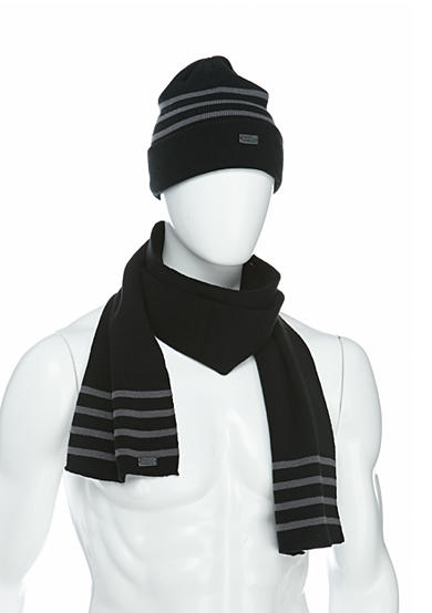 Levi's® Reversible Thin Stripe Beanie and Scarf Set