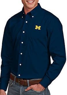 Antigua Michigan Wolverines Dynasty Woven Shirt