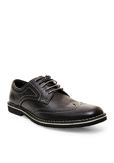 Steve Madden Lookus Wingtip Oxford Shoe