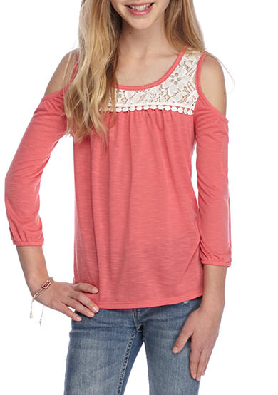 Tops + Tees – The hype of this season's t-shirts and tops have arrived at Target. Do not miss the new arrivals that include trendy frill tops and t-shirts with delicately embroidered designs.