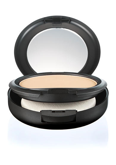 MAC Studio Fix Powder Plus Foundation<br>